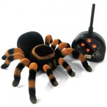 Радиоуправляемый паук Тарантул. Паук на пульте управления